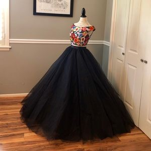 NEW JOVANI COUTURE 2 PIECE FLORAL BLACK BALL GOWN